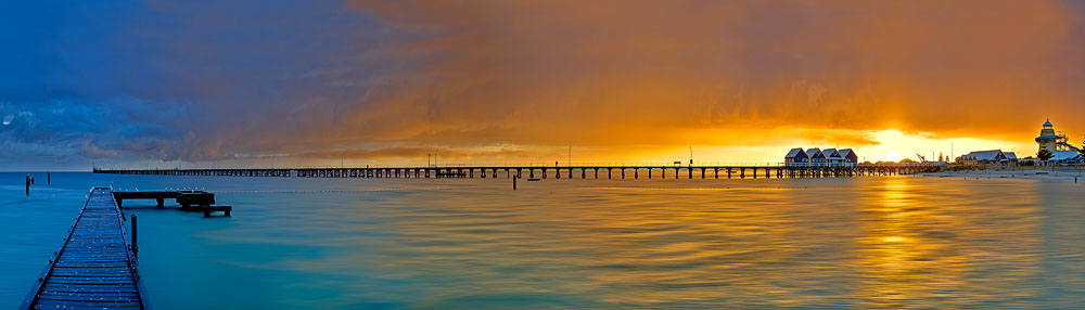 BUJ09f - Busselton Jetty Sunrise