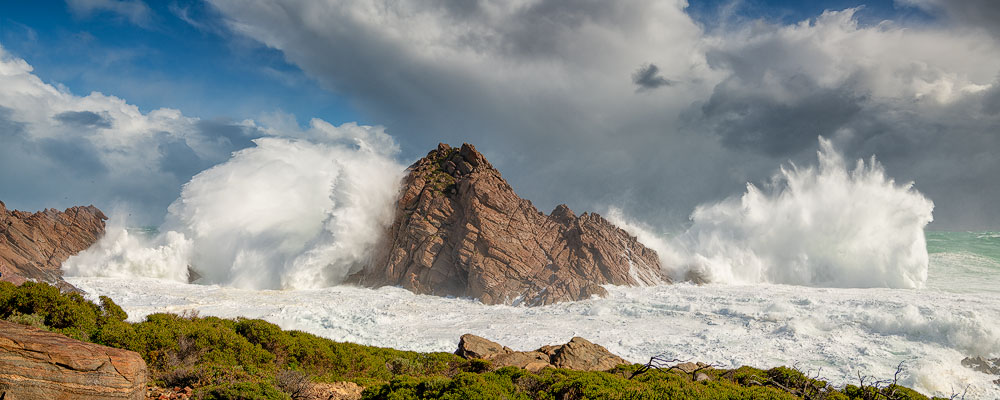 SUR30d - Sugarloaf Rock, Cyclone Mangga